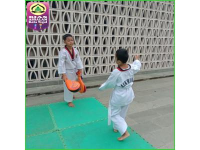 Ekstrakurikuler Taekwondo